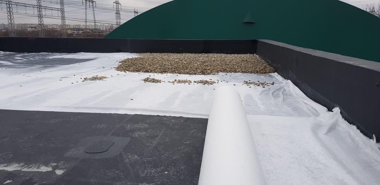 Hidroizolatie terasa acoperis - intindere geotextil