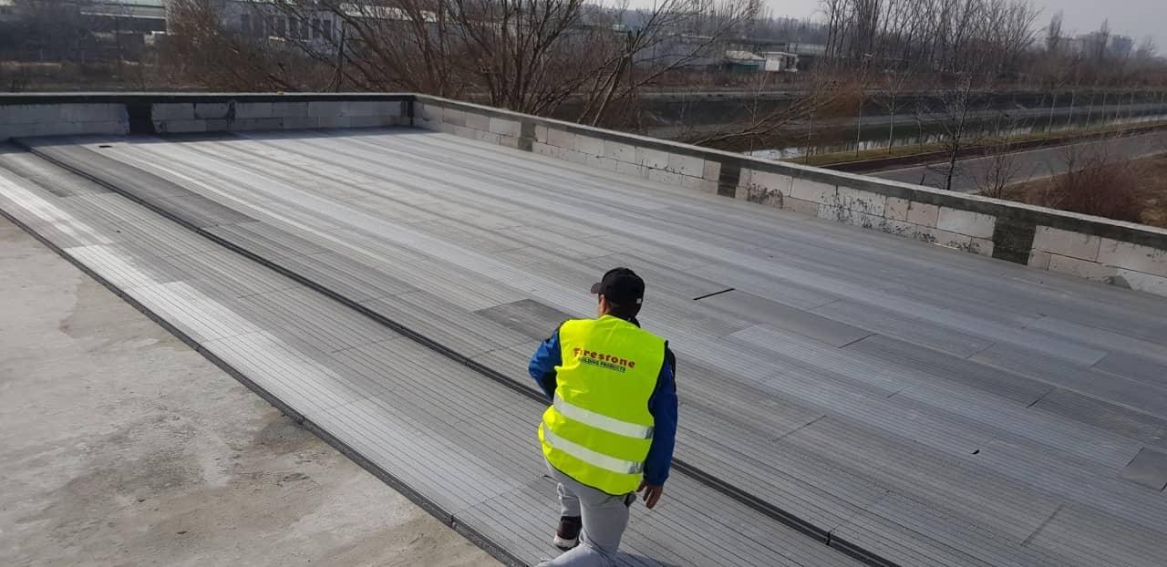 Hidroizolatie terasa acoperis - instalare sistem termoizolatie
