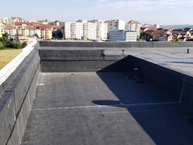 Hidroizolatie terasa pisicina - finalizarea hidroizolatiei in zona de piscina