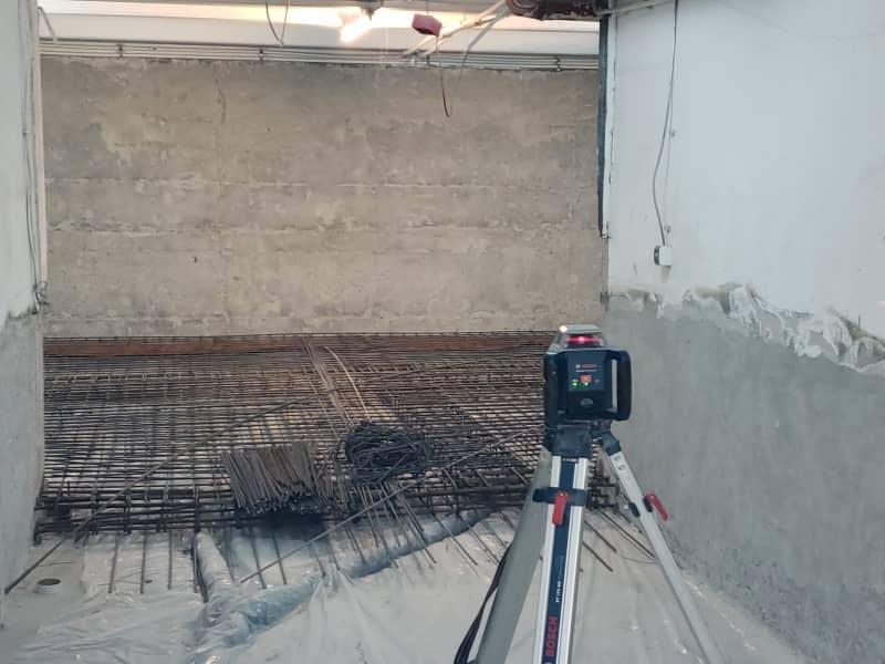 Refacere hidroizolatie cladire birouri - realizare armatura pardoseala cu nivela laser